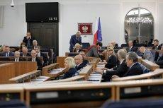 Senat głosował ws. przygotowań do walki z koronawirusem.