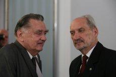Antoni Macierewicz zadbał o nowy pomnik dla Jana Olszewskiego.