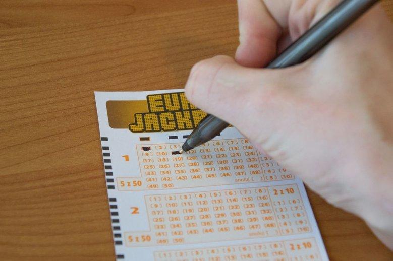 Szczęśliwy zwycięzca zdecydował się na odbiór wygranej w złotych, a nie w euro.