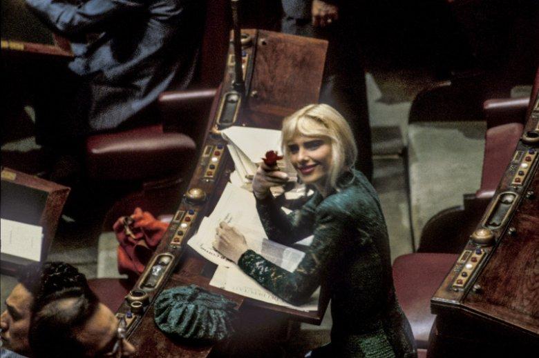 Cicciolina jako posłanka we włoskim parlamencie.