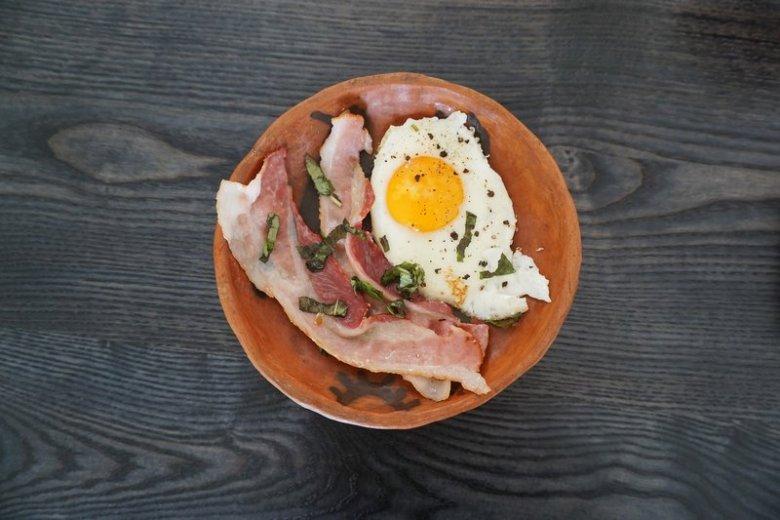 Dieta ketogeniczna to dieta wysokotłuszczowa, ograniczająca spożycie węglowodanów