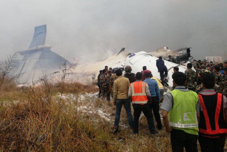 Samolot linii US-Bangla z Bangladeszu rozbił się podczas lądowania na lotnisku w Katmandu