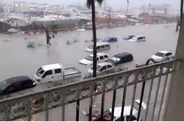 Nagrania z wyspy Saint Martin tuż po przejściu huraganu Irma.