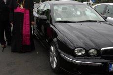 Lotos w ciągu ostatnich trzynastu lat wydał ponad dwa tysiące kart zniżkowych duchownym. Na rabaty przy zakupie paliwa mogą liczyć też związkowcy. Zdjęcie poglądowe.