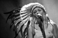 Antyreligijna piosenka Marii Peszek w TOK FM. Czy to zmierz polskiej zaściankowości religijnej?