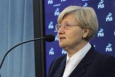 Józefa Hrynkiewicz domaga się przeprowadzenia czystki w urzędach.