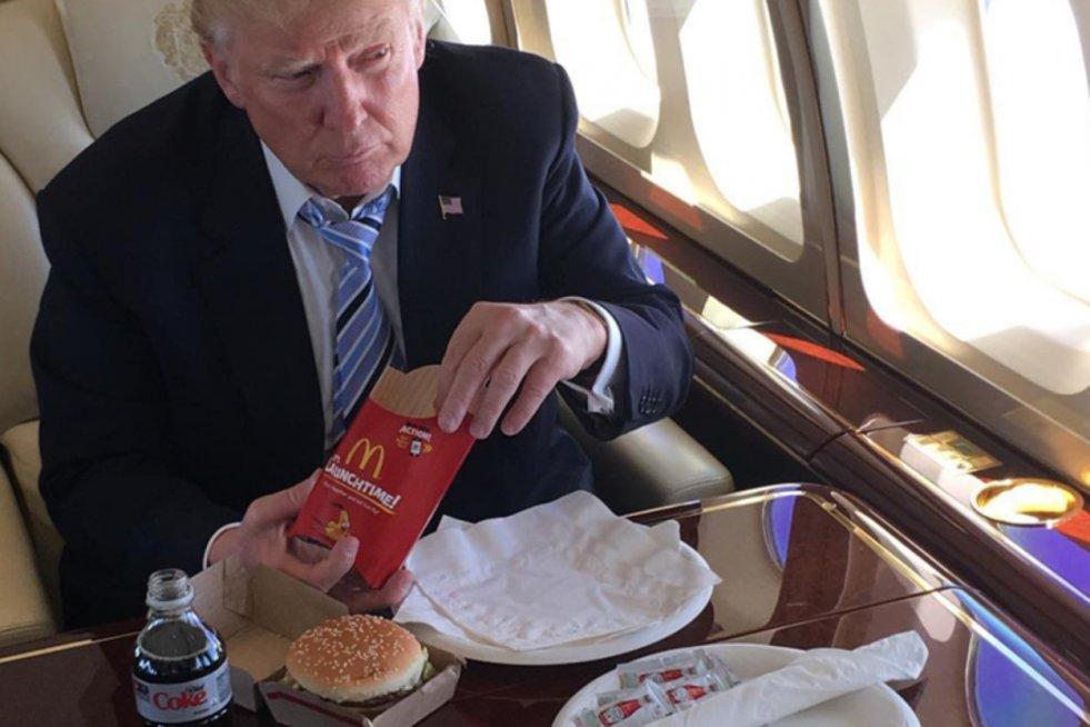Prezydent USA Donald Trump wypija 12 puszek dziennie swojego ulubionego napoju.