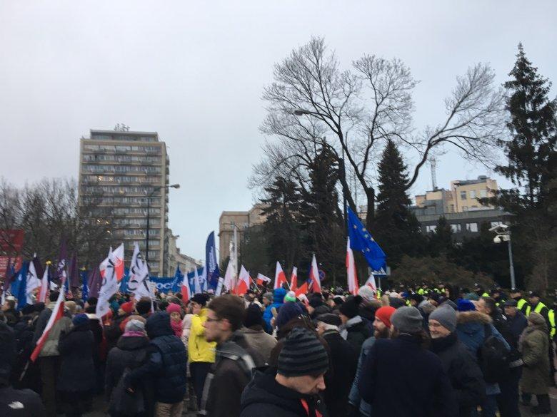 Protest pod Sejmem.