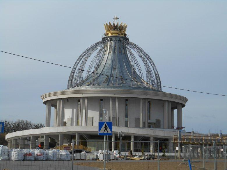kościół pod wezwaniem Maryi Gwiazdy Nowej Ewangelizacji i bł. Jana Pawła II w Toruniu