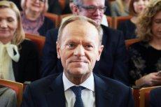 – Nie widzę powodu, dla którego miałby teraz stać się mężczyzną – powiedział Donald Tusk o Andrzeju Dudzie i wywołał burzę.