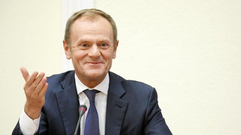 """Donald Tusk pokazał dziś, czym się różni pierwszoligowy europejski polityk od """"trampkarzy"""" z polskiego Sejmu."""