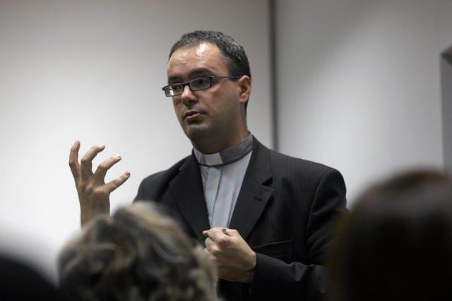ks. Jan Kaczkowski nie boi się krytykować Kościoła
