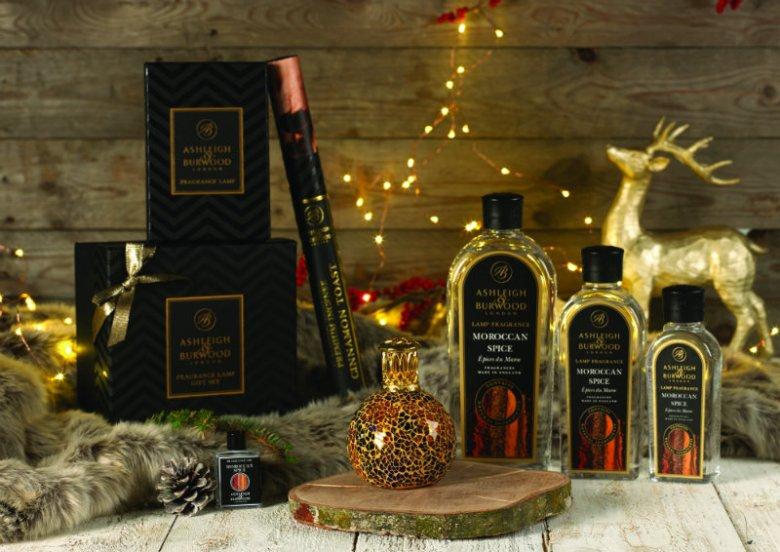 Katalityczne lampy zapachowe brytyjskiej marki Ashleigh & Burwood to prawdziwa gratka dla miłośników pięknych i jednocześnie praktycznych przedmiotów