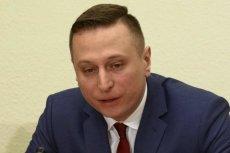 Krzysztof Brejza opublikował zdjęcia budynków należących do Srebrnej z materiałami wyborczymi PiS.