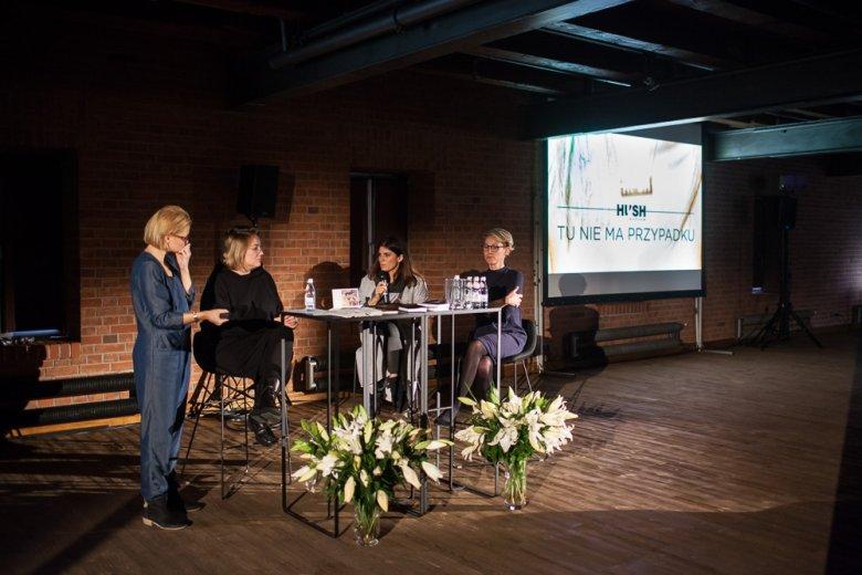 Magda Korcz i Anna Pięta podczas wykładu w ramach Art & Fashion Open University w Starym Browarze