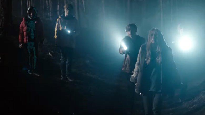 """Nie, to nie są zdjęcia z 3. sezonu """"Stranger Things""""."""