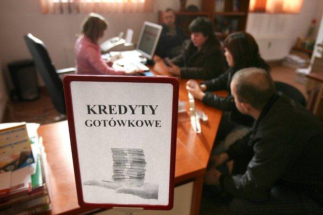 a83172597f6579 Już nie pójdziesz po kredyt do doradcy finansowego. Jednym przepisem  Mateusz Morawiecki zlikwiduje to towarzystwo | naTemat.pl