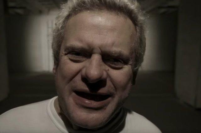 """Kazik puszcza oko do elektoratu PiS. """"Wolę Kaczyńskiego"""" – mówi w Chicago. """"Przechodzi kryzys, czy to tak na stałe?"""""""