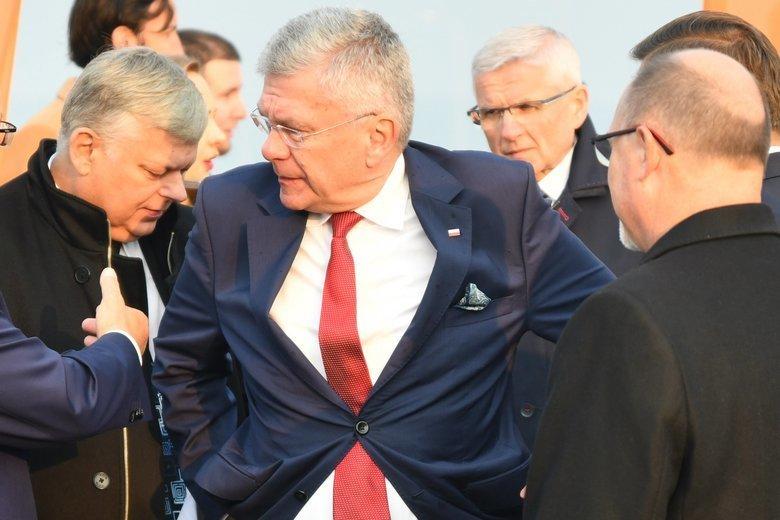 Politycy PiS wciąż próbują udawać, że partia Rydzyka nie stanowi dla nich problemu. Karczewski zapewnia nawet, że to wcale nie jest partia Rydzyka.