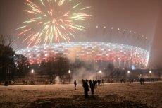 Sylwestrowy pokaz sztucznych ogni przy Stadionie Narodowym w Warszawie