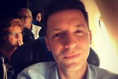 """Michał Cessanis, partner Pawła Rabieja z Nowoczesnej, utrzymuje że przez swoją orientację seksualną przestał być zapraszany do """"Pytania na Śniadanie""""."""