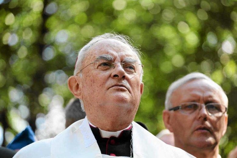 Abp Henryk Hoser przez ponad dwa lata nie reagował na doniesienia o molestowaniu ministrantów przez ks. Grzegorza K.