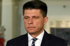 """Petru powiedział na antenie telewizji, że w Polsce trwa """"festiwal jak na Titanicu""""."""