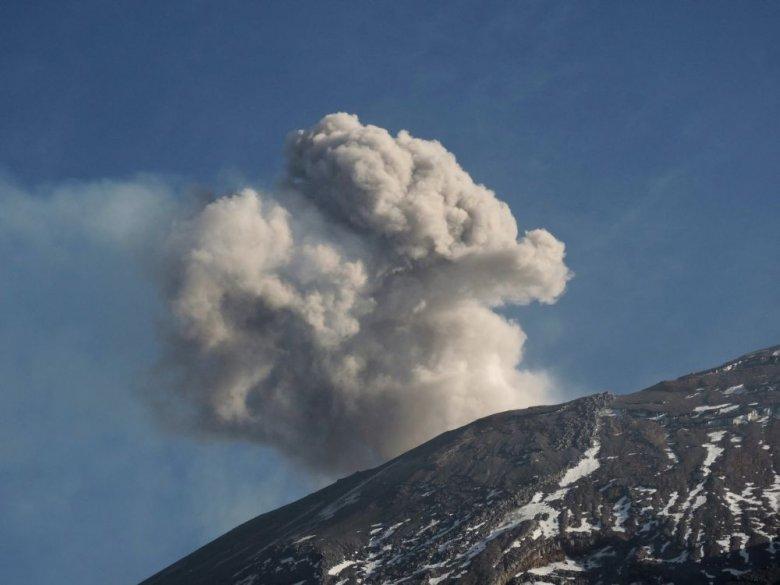 Wspinaczka na Popocatepetl, jeden z najaktywniejszych wulkanów Meksyku.