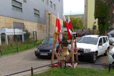Na Ursynowie stanął dzwon smoleński.
