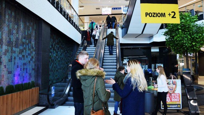 Gdzie na zakupy w niedzielę? Całkiem nieźle niedzielny handel kwitnie w gdańskiej Galerii Metropolia.