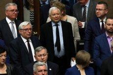 Prezes Jarosław Kaczyński - według PAP - miał na spotkaniu klubu PiS w Jarchrance upomnieć posłów PiS ws. ustawy antyaborcyjnej.