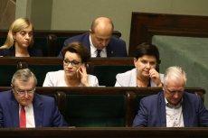 Minister Anna Zalewska na razie nie musi sięmartwić o swojąposadę.