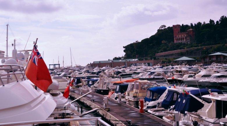 Marina Varazze, Morze Liguryjskie i morze pływających milionów