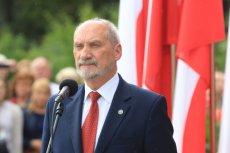 Minister Antoni Macierewicz na Placu Piłsudskiego, obchody Święta Wojska Polskiego.