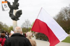 2 kwietnia 1997 roku uchwalono Konstytucję Rzeczypospolitej Polskiej. Ustawa zasadnicza składa się z preambuły i 13 rozdziałów obejmujących 243 artykuły