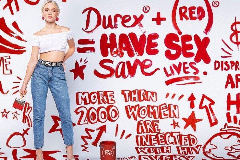 W kampanii wzięła również udział piosenkarka Zara Larsson