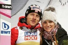 Marta Kubacka często osobiście kibicuje mężowi Dawidowi Kubackiemu na skoczni. Na zdjęciu para podczas mistrzostw świata w Seefeld. Teraz spotkali się po triumfie w 68. TCS.
