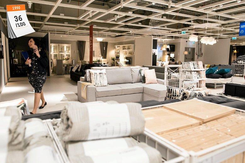 Szwedzki producent mebli IKEA zawitał do Polski 19 września 1990 roku, otwierając swój pierwszy sklep na warszawskim Ursynowie. Dziś w Polsce funkcjonuje 10 dużych punktów tej marki