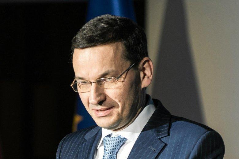 Premier Mateusz Morawiecki zapowiedział, że 300 zł otrzyma każde dziecko w wieku szkolnym do 18 roku życia.