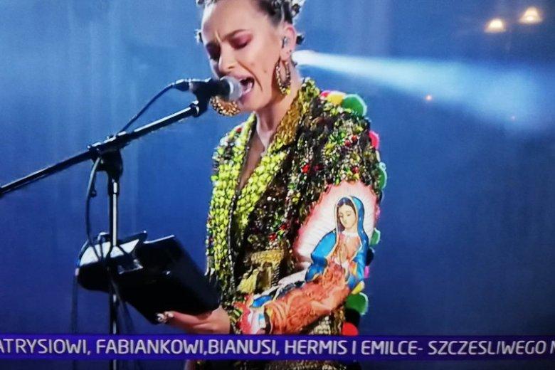 Ten strój Natalii Nykiel na sylwestrowym występie oburzył m.in. Krzysztofa Ziemca.