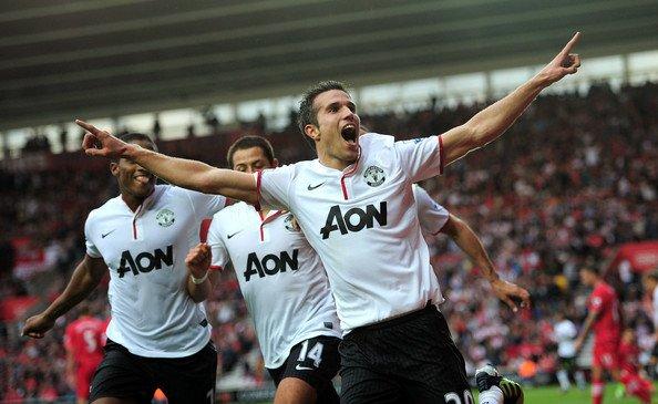 Czy Robin van Persie doprowadzi Manchester United do czwartego tytułu?