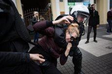 Robert Biedroń zauważa, że policji łatwiej znaleźć winnych podczas przemarszu kobiet niż podczas marszu napakowanych nacjonalistów.