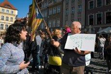 Coraz mniej Katalończyków opowiada się za niepodległością.