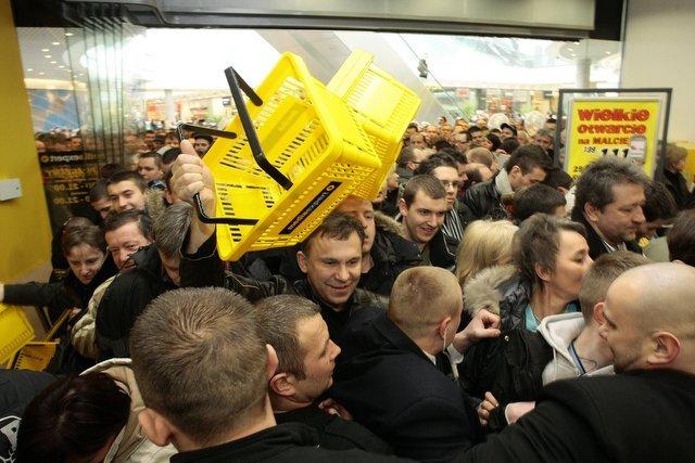 """Otwarcie galerii Malta w Poznaniu, w 2009 roku. Dziś stolica wielkopolski to jedno z najbardziej """"ugaleriowionych"""" miast Polski."""