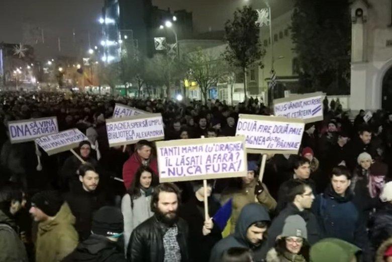 Ostatnie protesty w Rumunii przeciwko upolitycznieniu systemu sądownictwa i przeciwko korupcji.