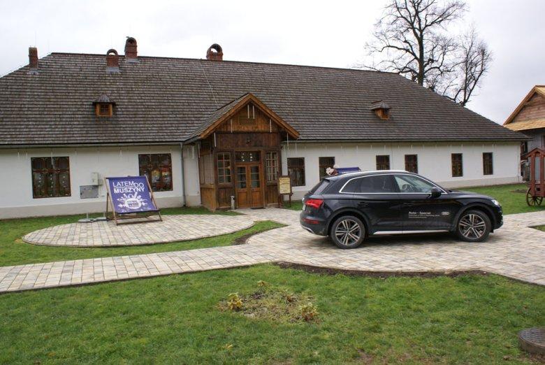 Audi Q5 2.0 TDI Sport 190 KM S-tronic przy Dwórze Starostów.