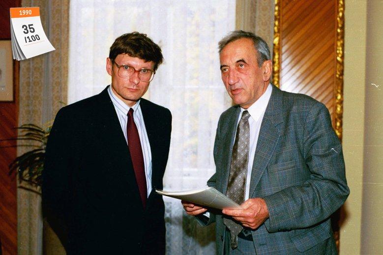1 stycznia 1990 roku rozpoczęto realizację tzw. Planu Balcerowicza, pakietu reform gospodarczych. Na zdjęciu ówczesny minister finansów Leszek Balcerowicz i premier Tadeusz Mazowiecki