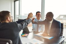 Akcjonariat pracowniczy – szansa dla pracownika, firmy i całej gospodarki