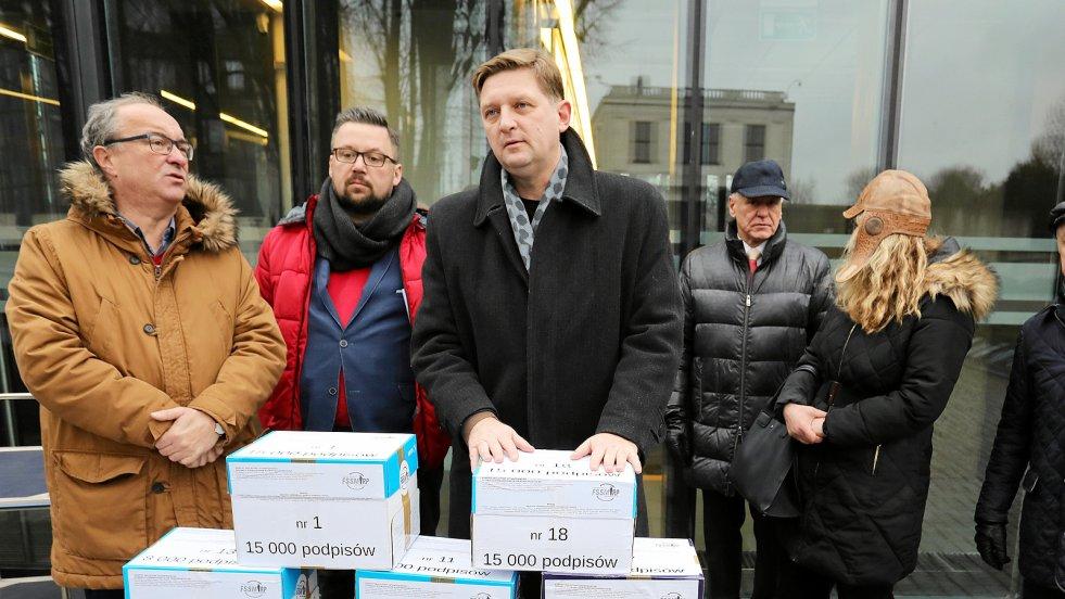 W rozmowie z naTemat.pl Andrzej Rozenek wyjaśnia, dlaczego SLD tak stanowczo walczy o interesy byłych mundurowych z czasów PRL, którym obniżono emerytury.