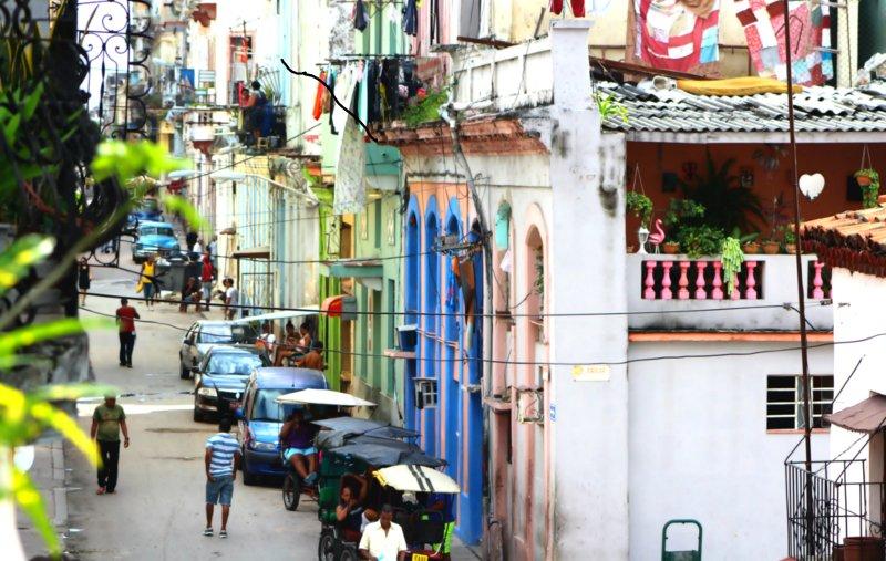 Hawana z roku na rok przyciąga coraz więcej turystów.